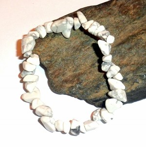 Howlite Chip Stretch Bracelet