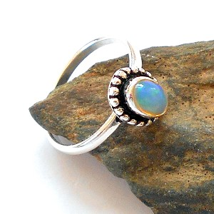 Welo Opal Sterling Silver Ring Size 6